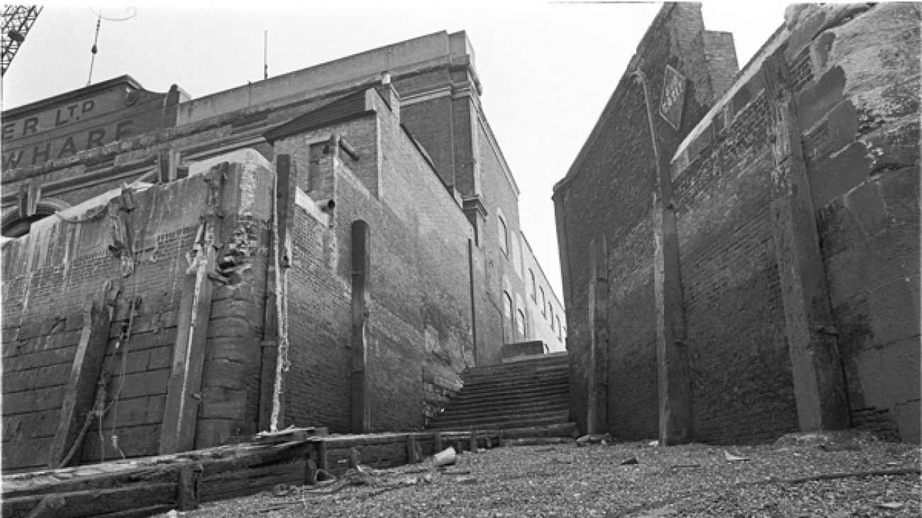 Steps down to Deptford beach, at the end of Watergate Street.